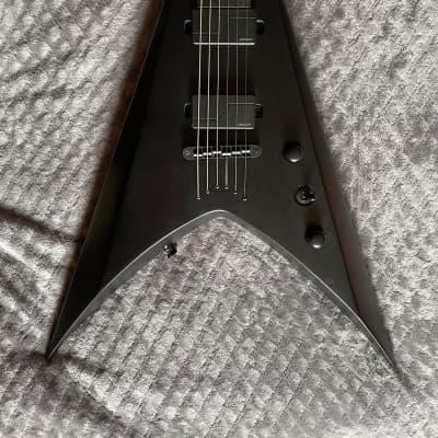 Solar V Carbon Black w/Fishman modern for sale