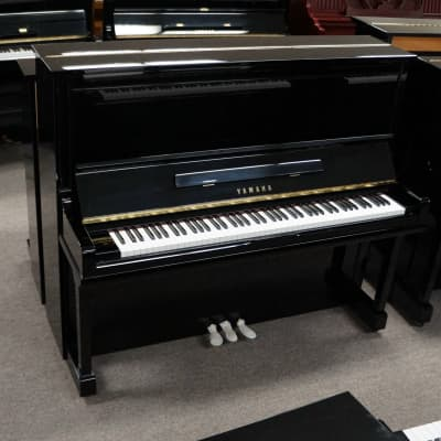 Yamaha U30 UPRIGHT PIANO BLACK POLISH