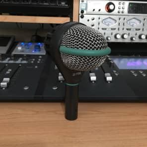 AKG D112 Large Diaphragm Dynamic Bass Drum Microphone