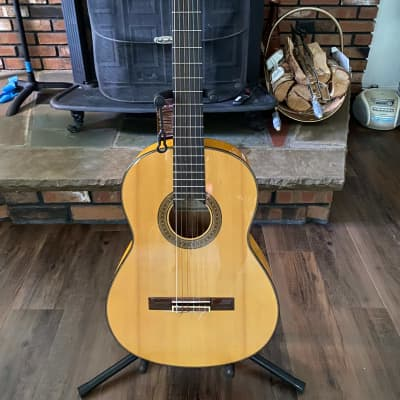 Yamaha CG-171SF Flamenco Guitar in excellent condition with Softcase for sale