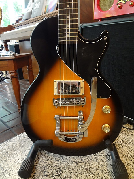 epiphone les paul junior 2013 sunburst with bigsby reverb. Black Bedroom Furniture Sets. Home Design Ideas