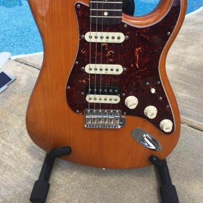 Fender Stratocaster 2011 HSS Transparent Amber-TBX Boost-FSR w/case