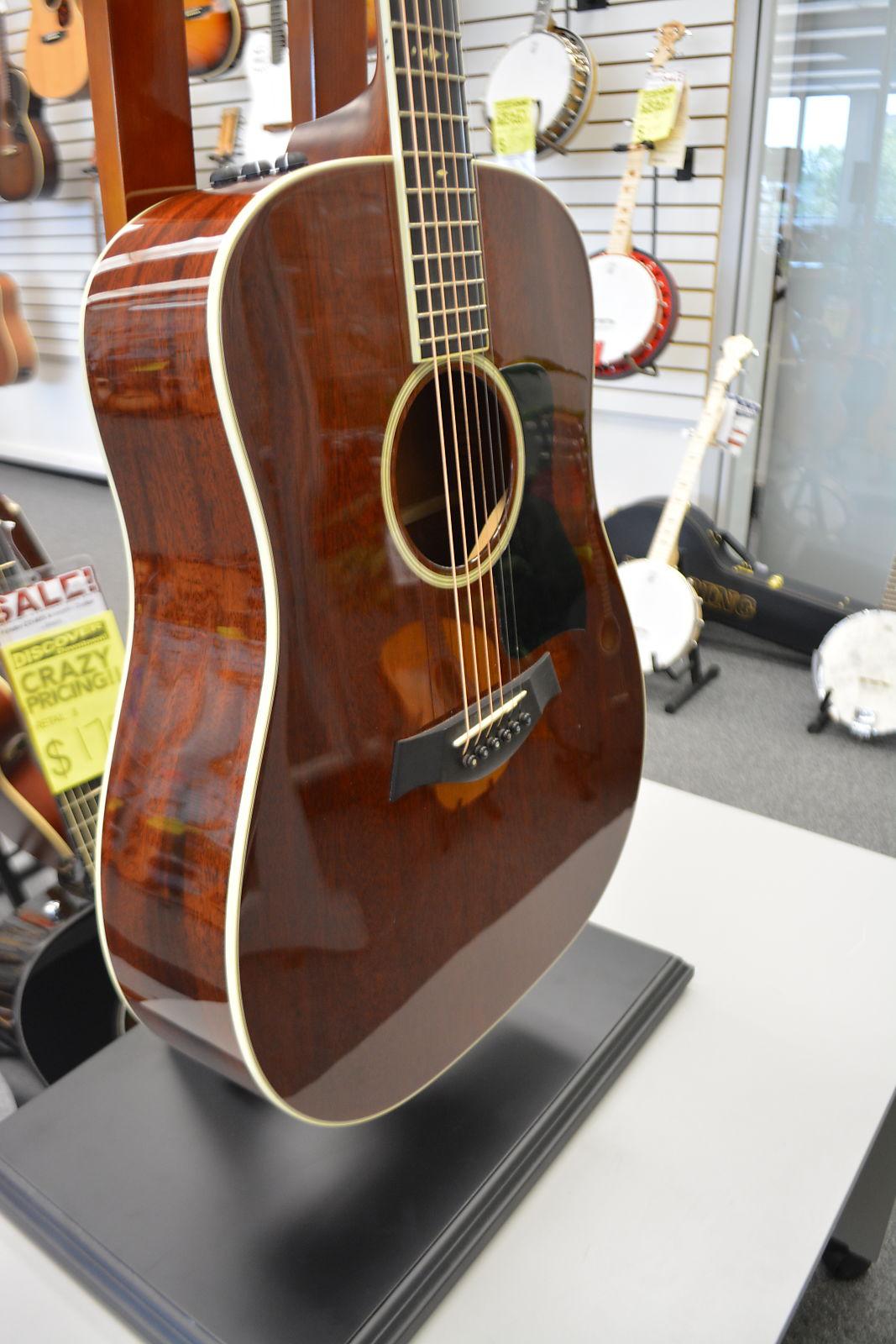 Taylor 520E Mahogany