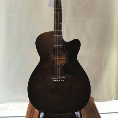 Art & Lutherie Legacy Concert CW QIT Bourbon Burst Acoustic Guitar