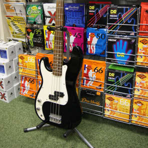 Encore LPK40 bass guitar in black Left Handed for sale