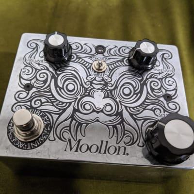 Moollon Chorus Polished Silver