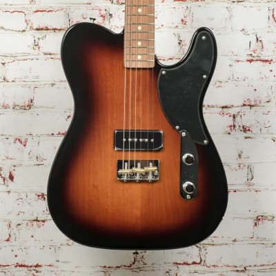 Fender Noventa Telecaster®, Pau Ferro Fingerboard, 2-Color Sunburst x4482