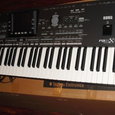 Korg Pa3X 76 Key Professional Arranger Keyboard