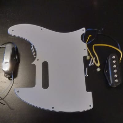 Fender Telecaster Squire 3 ply white pick guard and pickups silver/black