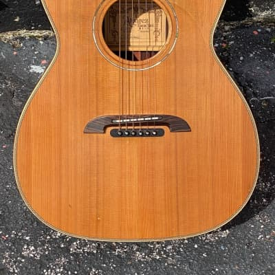 Alvarez Yairi WY-1  2010 beautiful Cutaway Electric Ltd. Edition. for sale