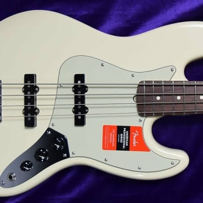Fender AM PRO Jazz Bass, Olympic White / Rosewood *Factory Cosmetic Flaw, FULL WARRANTY=SAVE $