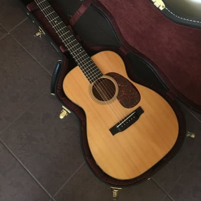 Martin 00-18V with OHSC and L.R.Baggs Element pickup for sale