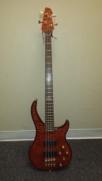 peavey cirrus 4 bxp 4 string electric bass guitar w gold reverb. Black Bedroom Furniture Sets. Home Design Ideas