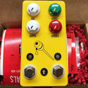 JHS Honey Comb Deluxe Dual Tremolo Pedal