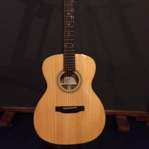 Recording King RO-310 All Solid Red Spruce Top 000 Natural Gloss