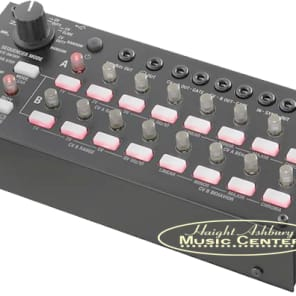 Korg SQ-1 Compact Step Sequencer and  Sync Box with 2 x 8 Steps