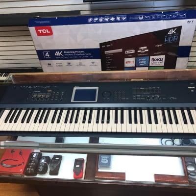 Korg Triton Extreme 76 Keyboard Synthesizer Workstation w/ Case