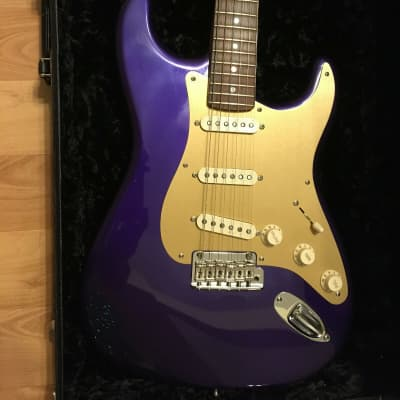 Fender Custom Shop Classic Player Stratocaster Stunning Purple Gold Pickguard for sale