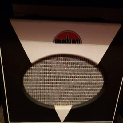 Sundown  ST-5 Tube Deluxe Guitar Amp Black and white for sale