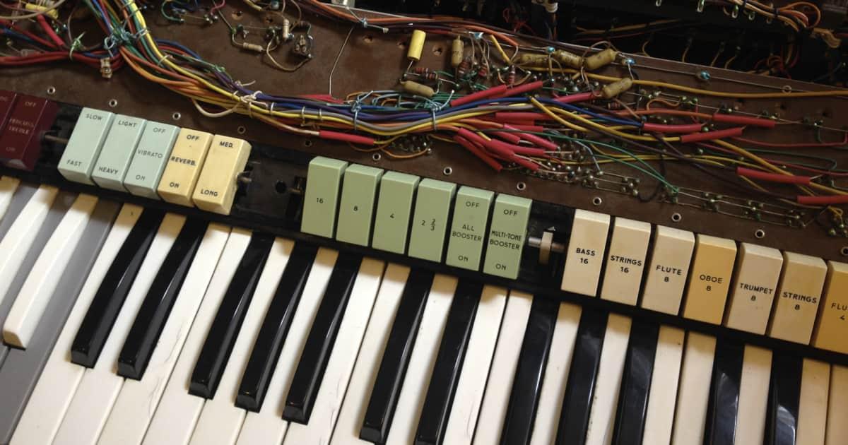 DIY Vintage Organ Repairs: Common Problems Beginners Can ... on