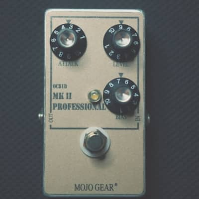 Mojo Gear Professional MkII Tone Bender Fuzz effect pedal replica with OC81D germanium transistors