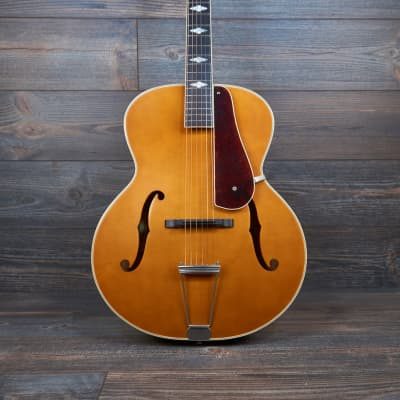 Epiphone Masterbuilt Century Deluxe Archtop Acoustic / Electric Vintage Natural