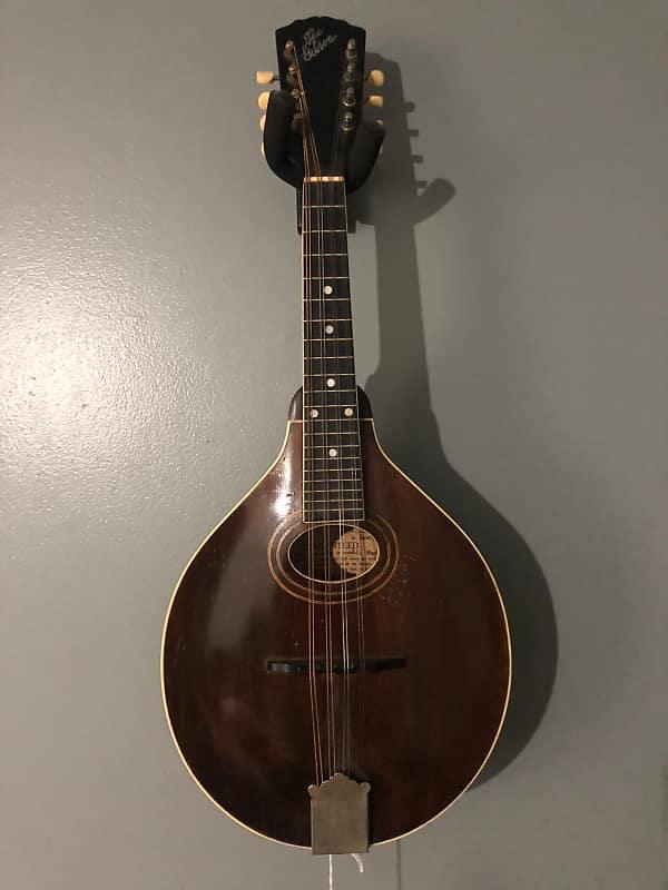 Dating Gibson mandoliner skyltar du dejtar en spelare