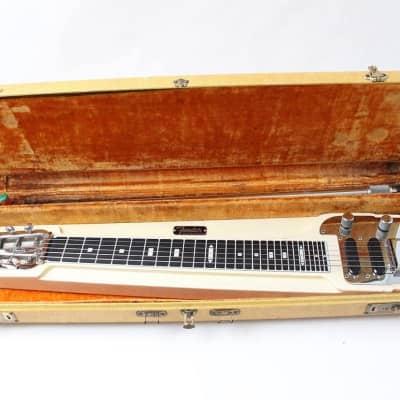 Fender Deluxe Six 6-String Lap Steel Guitar