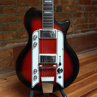 Airline Town and Country 1963 Red Burst for sale