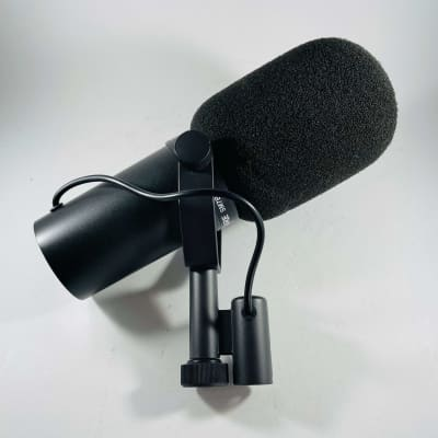 Shure SM7B Cardioid Dynamic Microphone  *Sustainably Shipped*