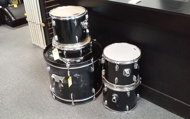 Used Fender Starcaster 5 Pc Shells Drum Kit 5 Piece Kit Reverb