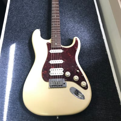 Fender American Deluxe Stratocaster HSS 2006 w/HSC