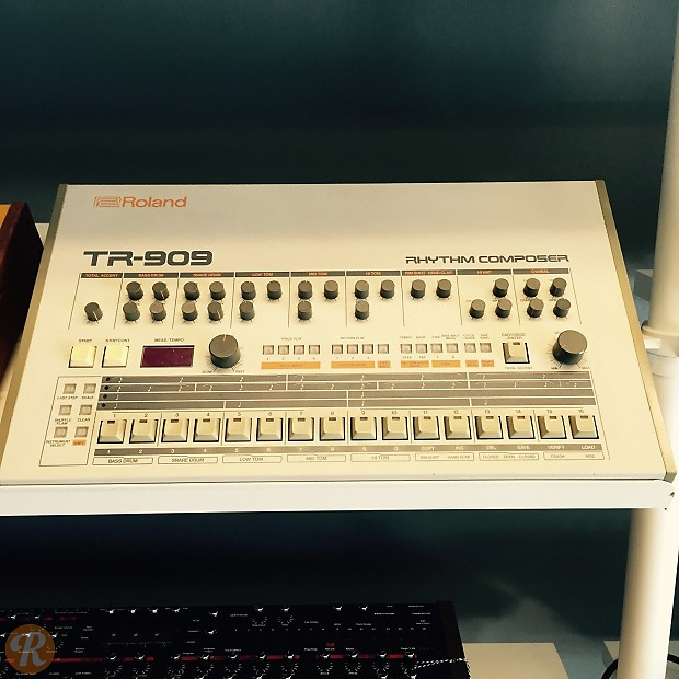 roland tr 909 rhythm composer drum machine reverb. Black Bedroom Furniture Sets. Home Design Ideas