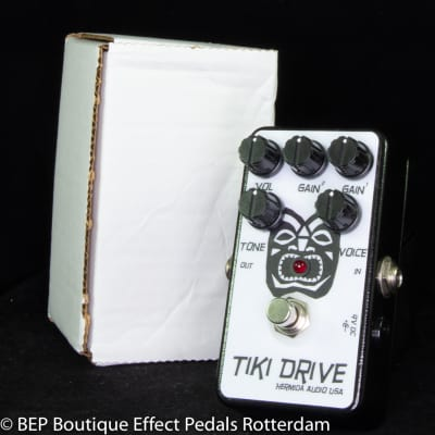 Hermida Audio Tiki Drive 2011, hand built and signed by Mr. Alfonso Hermida as used by Elliot Easton
