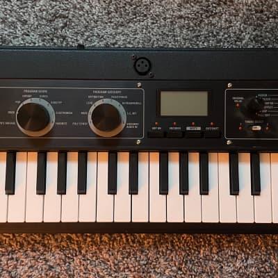 Korg microKORG XL+ 37-Key Synthesizer/Vocoder