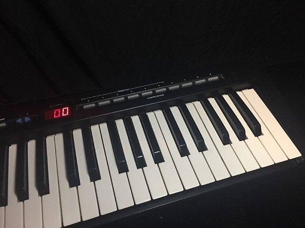 evolution mk 149 1990 39 s black midi keyboard controller reverb. Black Bedroom Furniture Sets. Home Design Ideas