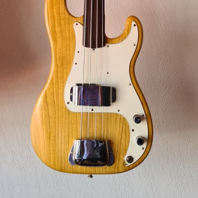 Fender Precision Bass Fretless with Rosewood Fingerboard 1974