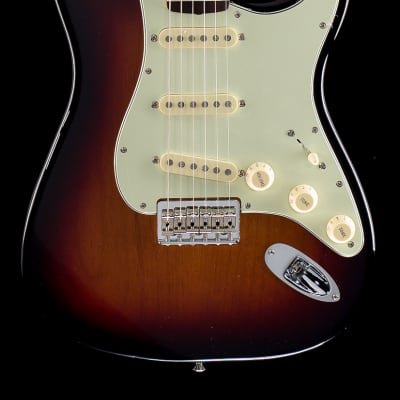 Fender Robert Cray Stratocaster® 3-Tone Sunburst, Rosewood (155) for sale