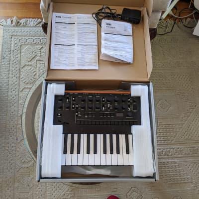 Korg Monologue Monophonic Analog Synthesizer Mint Like New in Box Black