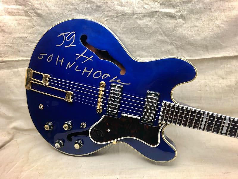 Epiphone Sheraton Signed by John Lee Hooker