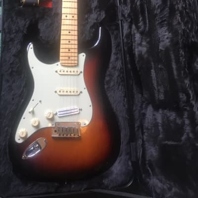 Fender American Deluxe Stratocaster Left-Handed 2015 3-Color Sunburst for sale