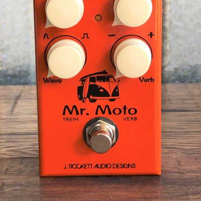 J. Rockett Audio Designs Mr Moto Tremolo Reverb Guitar Effect Pedal Demo