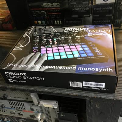 NOVATION CIRCUIT STATION MONO Synth  module in box  //ARMENS//