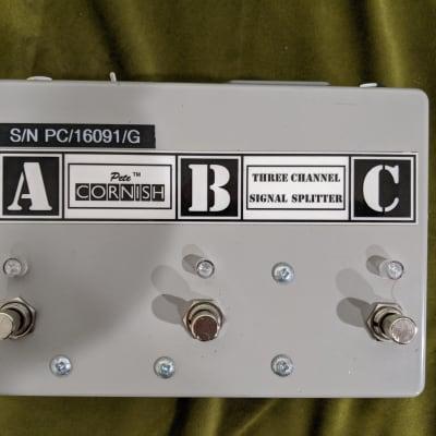 Pete Cornish ABC Box 3 Channel Signal Splitter Signed
