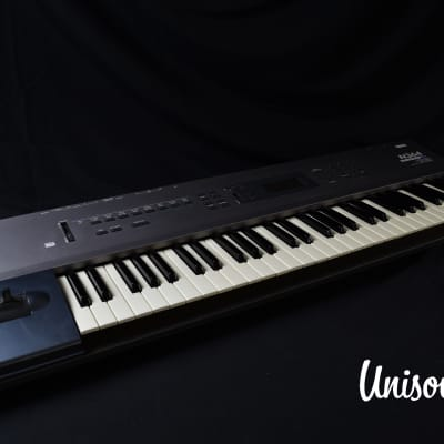 Korg N364 Music Workstation Synthesizer In Very Good Condition