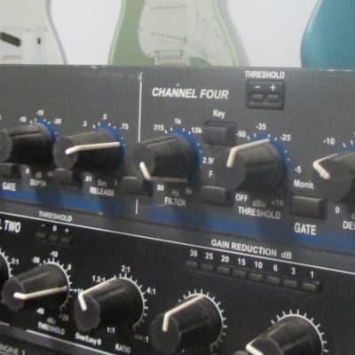 dbx 1074 Quad Gate - 4 Channel Noise Gate