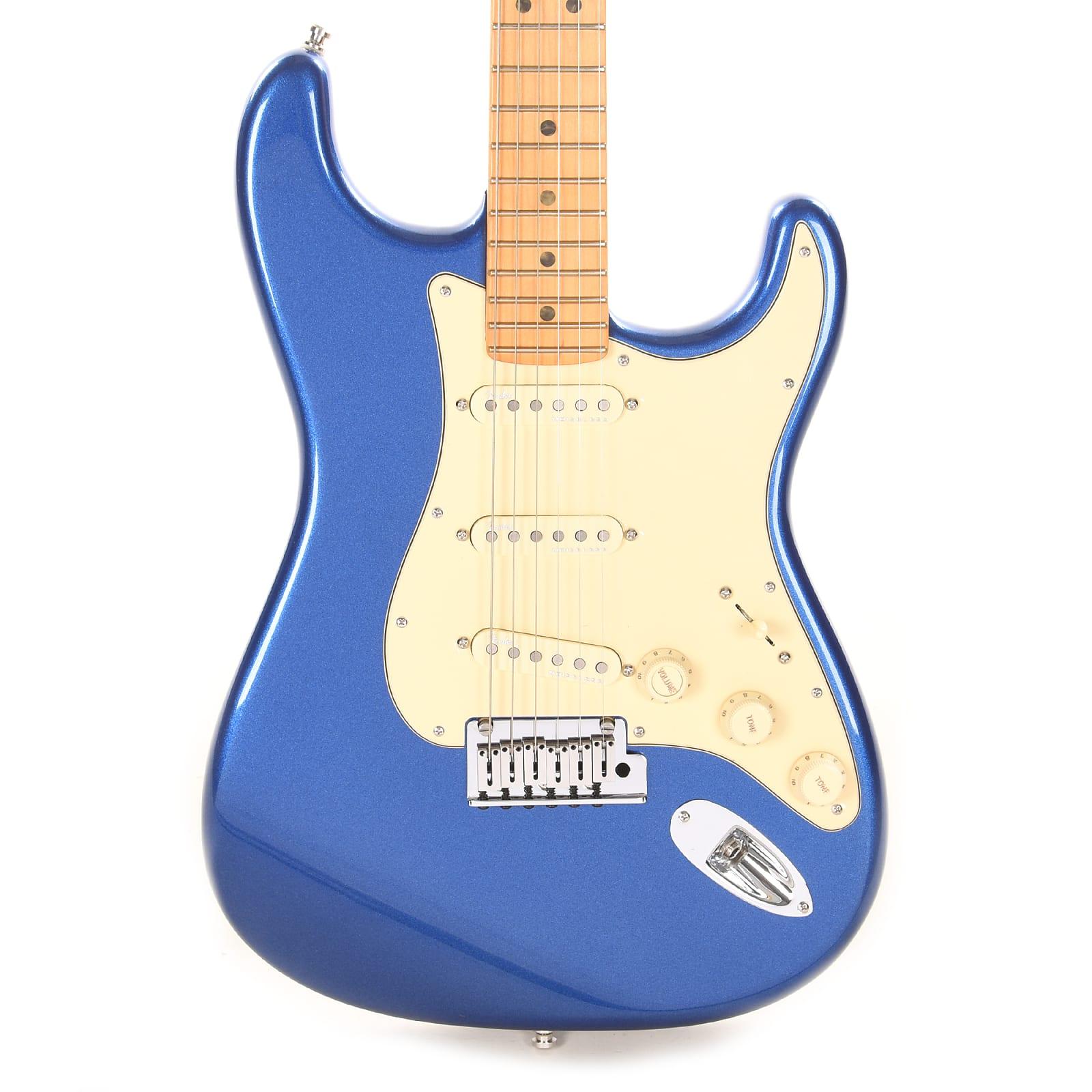 Fender American Ultra Stratocaster Cobra Blue