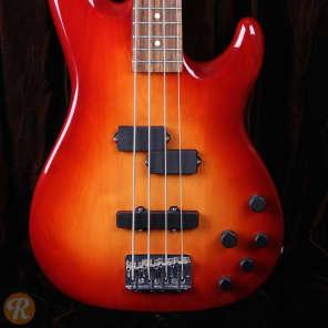 Fender Deluxe Series Zone Bass 2003 - 2006