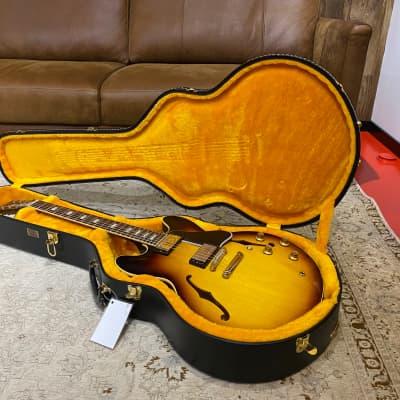 Gibson ES-335 Custom Shop 1964 Reissue - Vintage Burst, 3340g