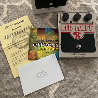 Electro-Harmonix Big Muff Pi NYC v7 with box instructions and CD
